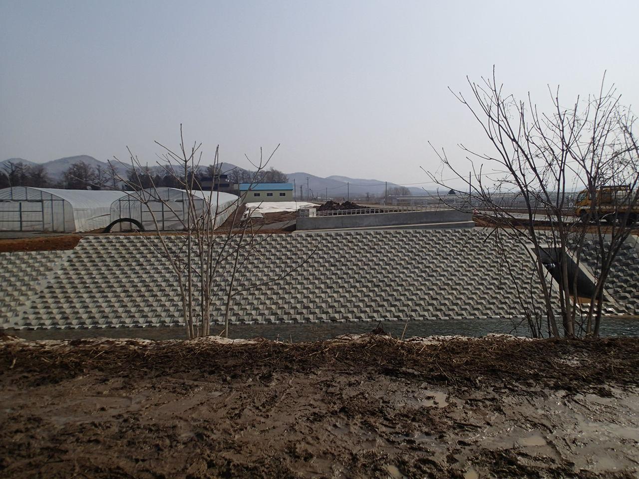 泊共和線総合A(地方道)工事(発足1号橋下部工)